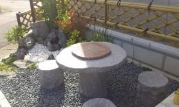 囲碁盤を模した休憩所